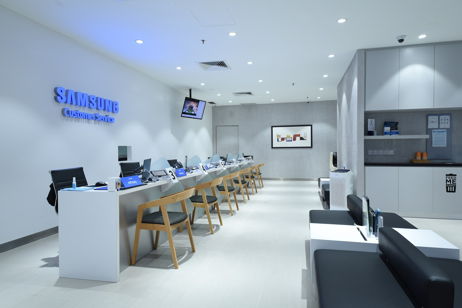 Samsung Re-opens Its New Concept Customer Care Centre In Low Yat