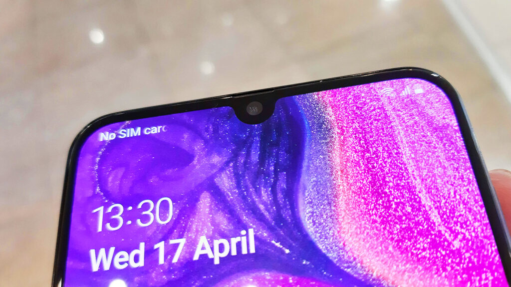 Samsung Galaxy A50 Review - A Solid Build Mixing Beauty And Brawn