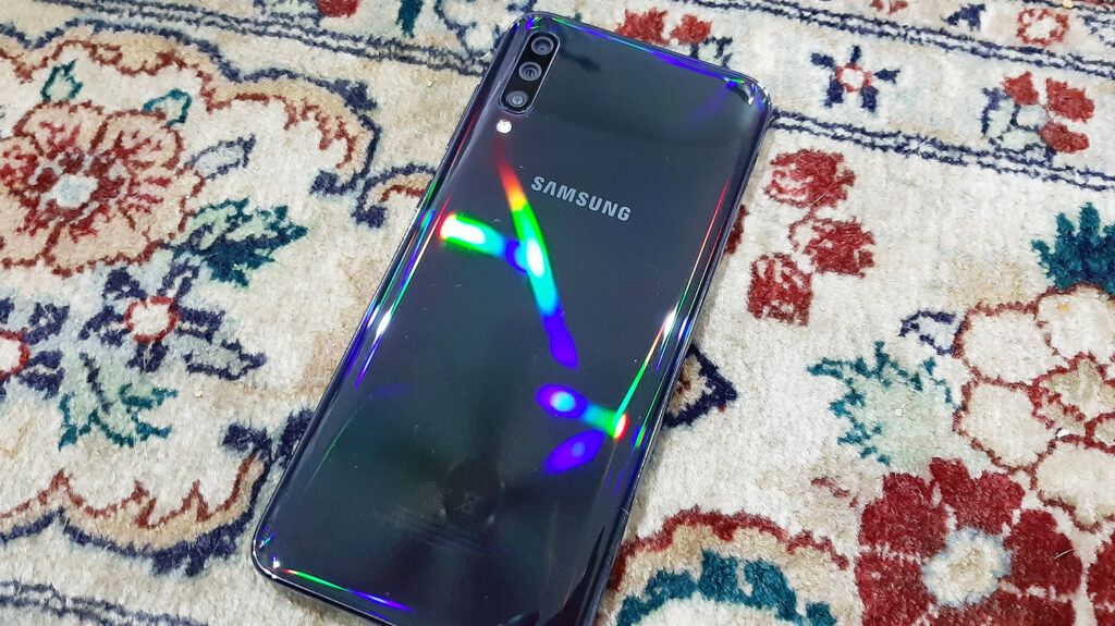 Samsung Galaxy A70 Review - Triple Camera With Loads of Fun