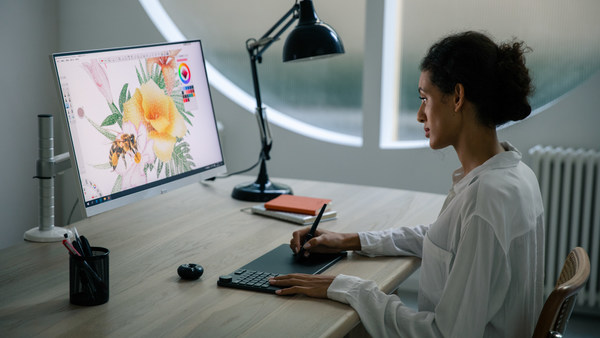 Huion KD200: The Innovative Combination of Keyboard and Pen Tablet Won Three International Design Awards