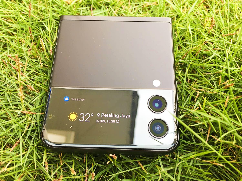 Samsung Galaxy Z Flip3 First Look - A Flip Between Elegance and Sophistication